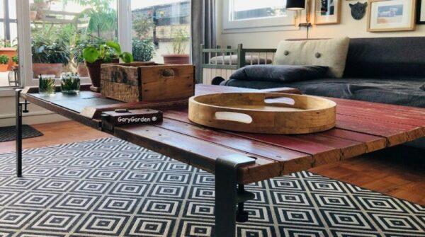 Création table basse bois ancien brut rouge brest